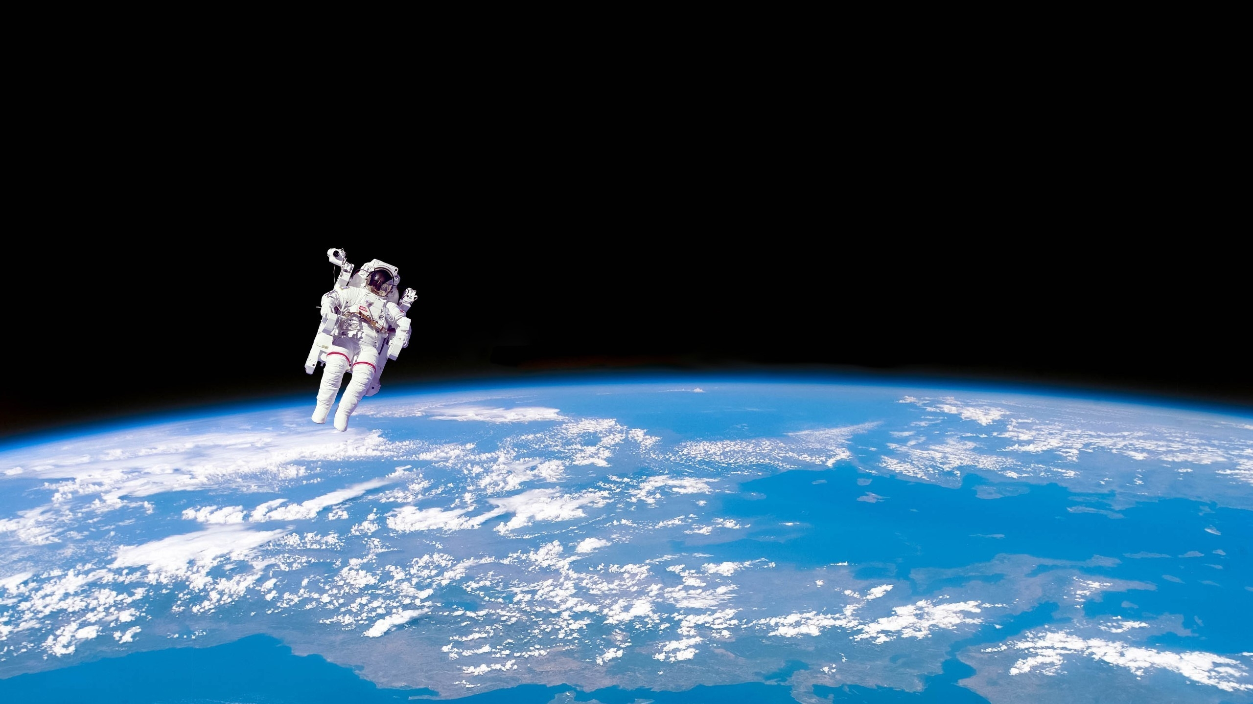 Astronaut in space 2560x1440 hdtv wallpaper - Space 2560 x 1440 ...