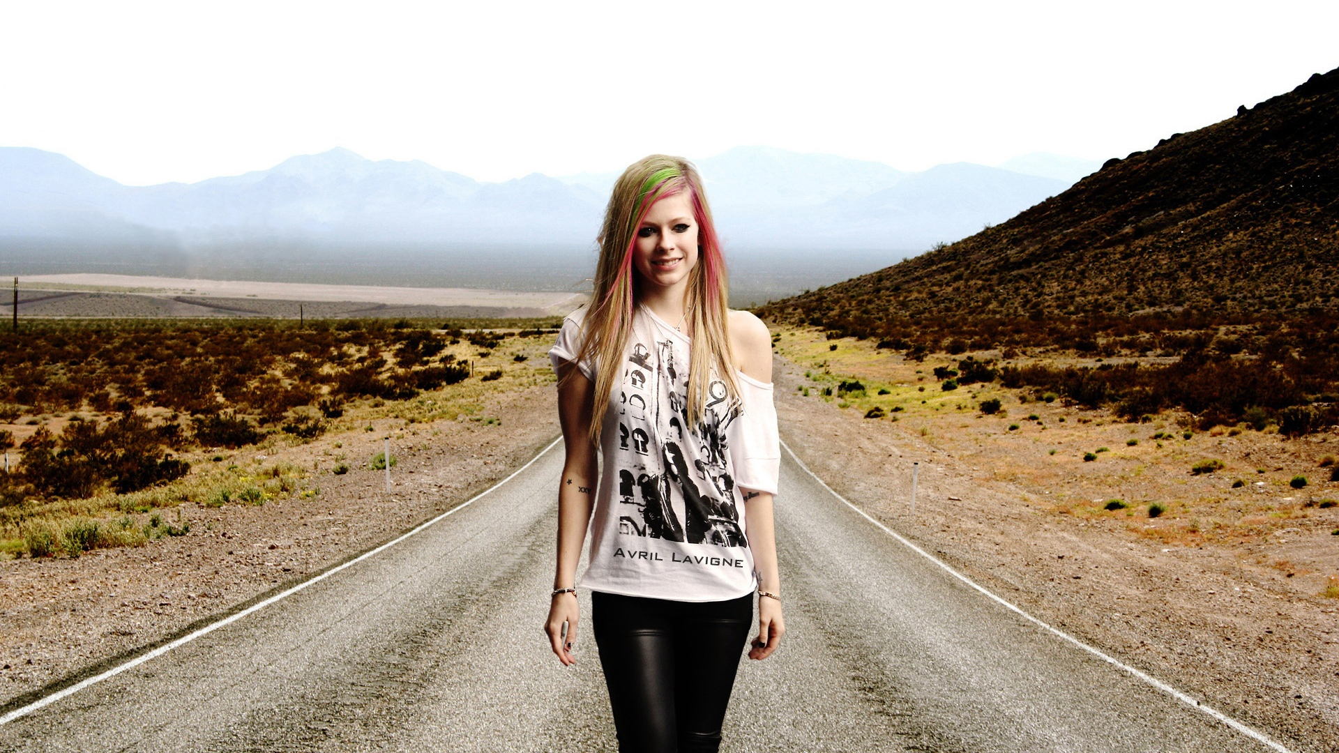 Avril Lavigne Walking Hd Wallpaper Wallpaperfx