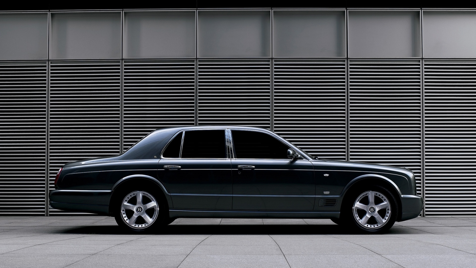 Bentley Arnage Side Closeup 2007 for 1536 x 864 HDTV resolution