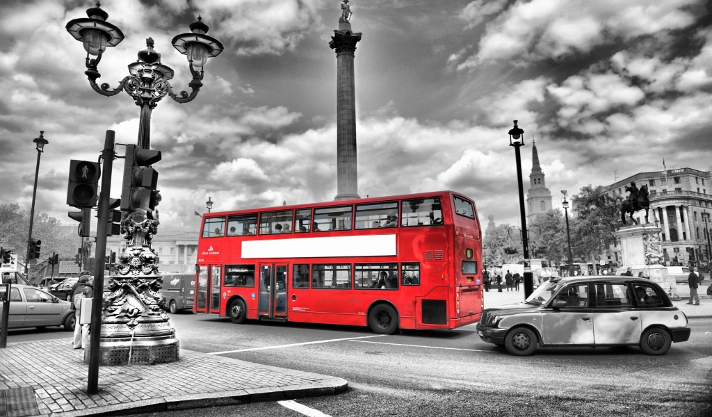 Black and White London for 1024 x 600 widescreen resolution