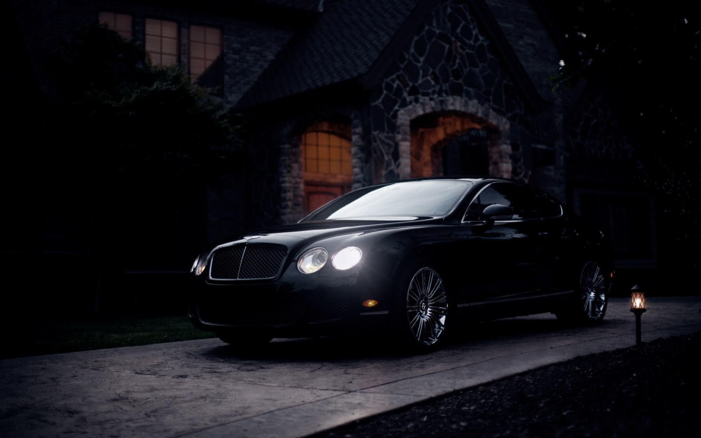 Black Bentley Continental GT for 1440 x 900 widescreen resolution
