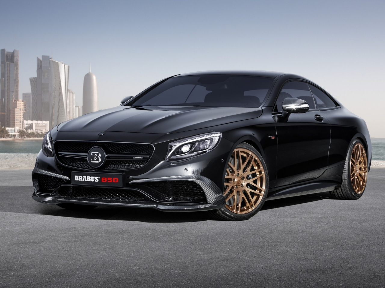 Black Mercedes Benz S63 AMG Brabus  for 1280 x 960 resolution