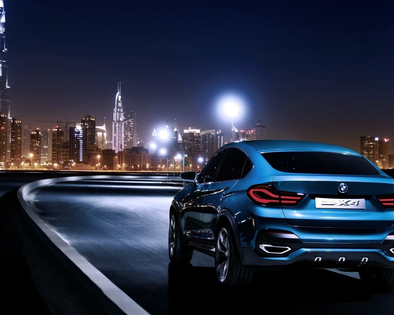 Blue BMW X4 Rear for 1280 x 1024 resolution