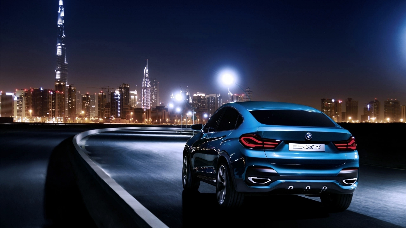 Blue BMW X4 Rear for 1600 x 900 HDTV resolution