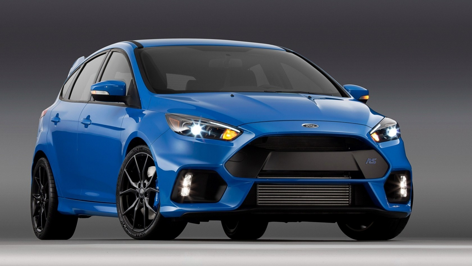 Blue Ford Focus Rs Hd Wallpaper Wallpaperfx