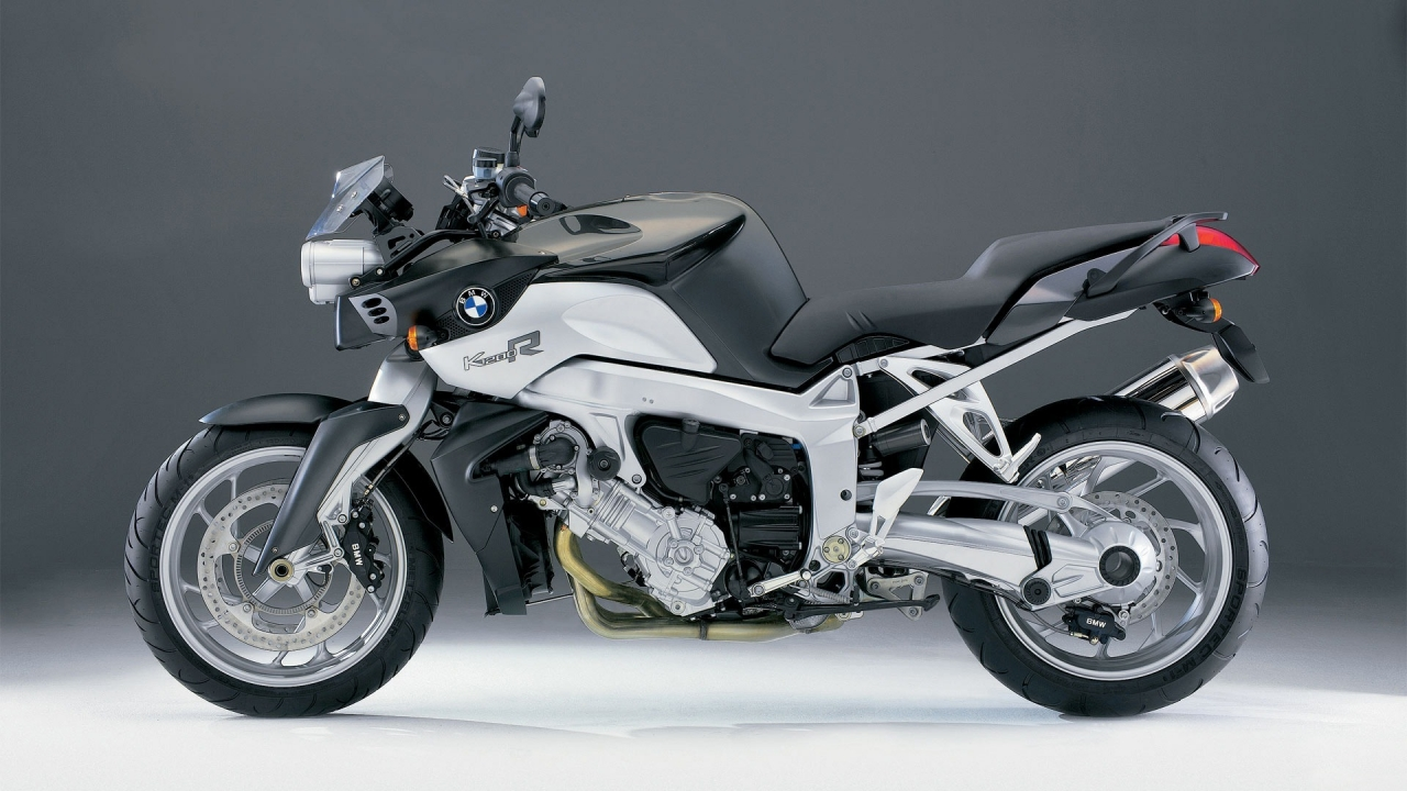 BMW K1200R for 1280 x 720 HDTV 720p resolution