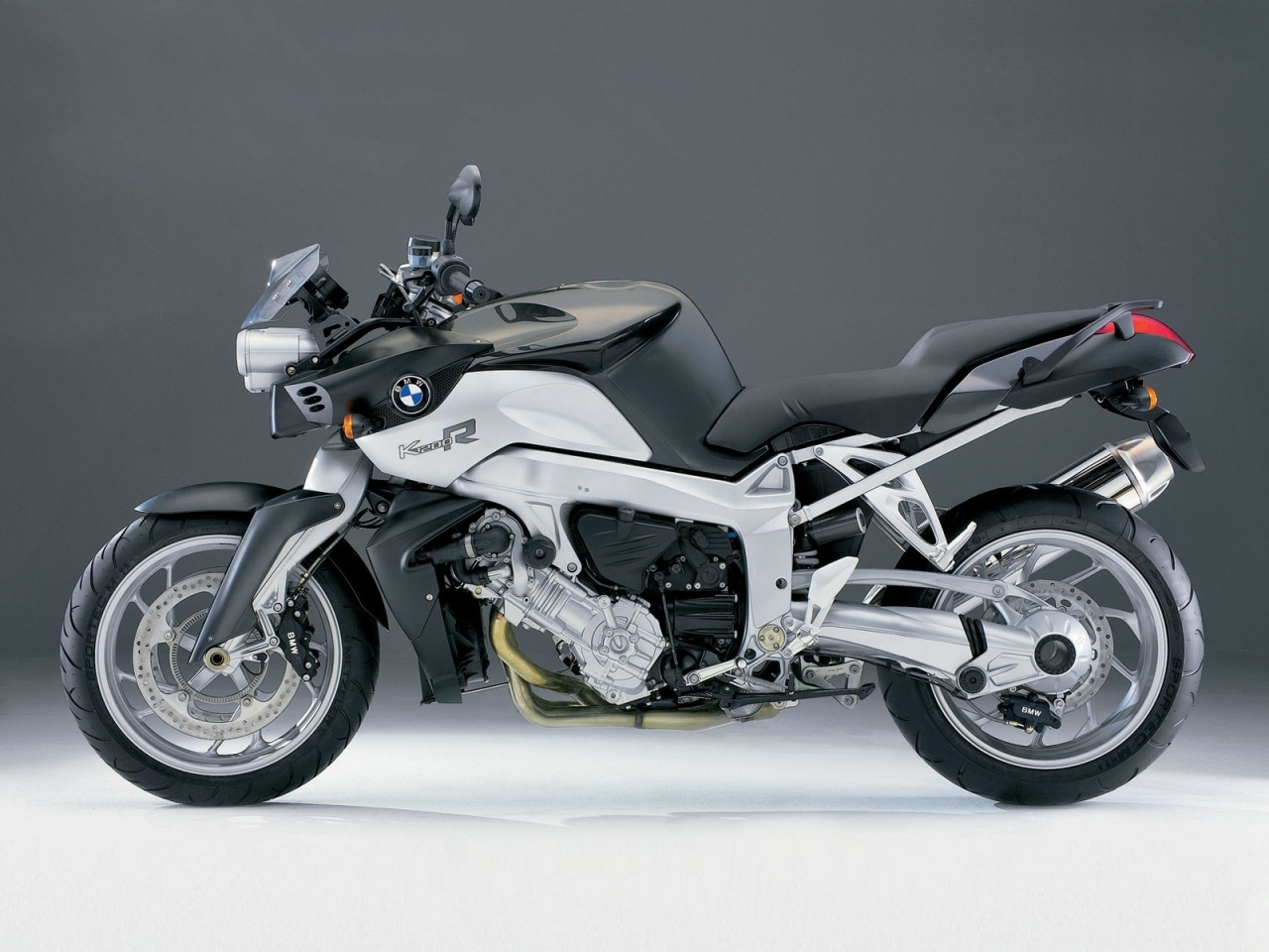 BMW K1200R for 1280 x 960 resolution