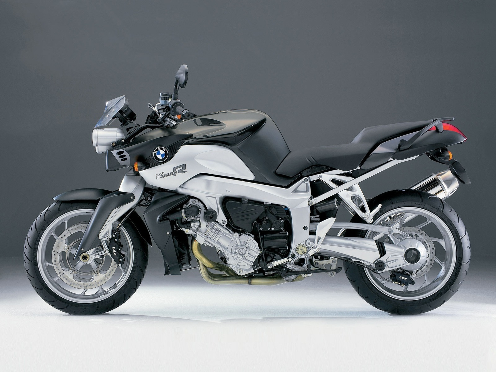 BMW K1200R for 1600 x 1200 resolution