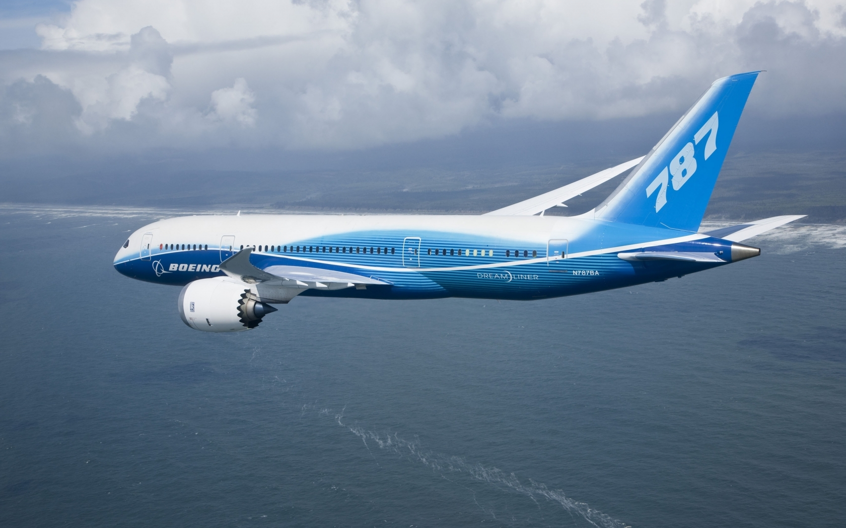 Boeing 787 Flying for 1680 x 1050 widescreen resolution