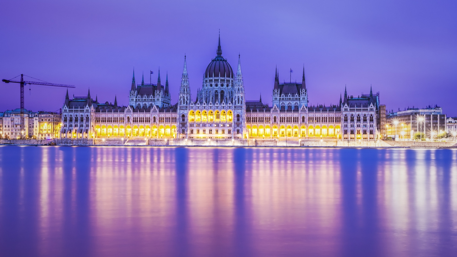 Budapest Parliament Building for 1536 x 864 HDTV resolution