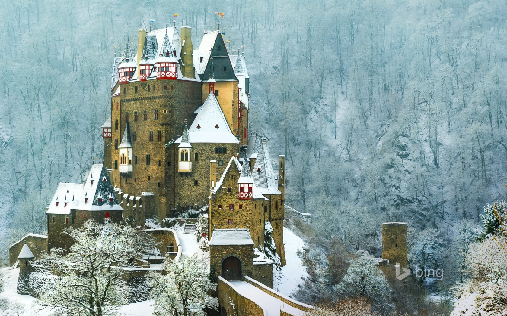 Burg Eltz Castle Germany for 1680 x 1050 widescreen resolution