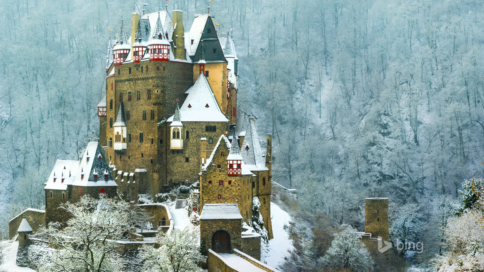 Burg Eltz Castle Germany for 1680 x 945 HDTV resolution