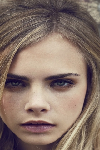 Cara Delevingne for 320 x 480 iPhone resolution