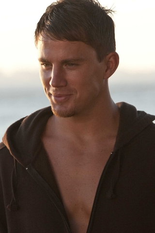 Chaning Tatum Dear John for 320 x 480 iPhone resolution