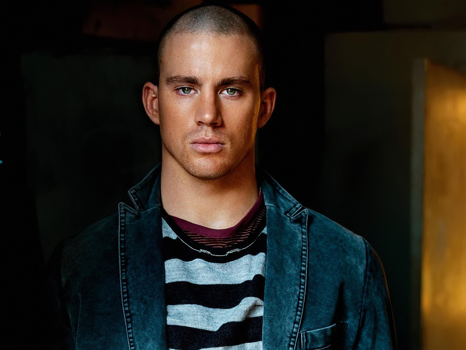 Channing Tatum Beautiful Eyes for 1600 x 1200 resolution