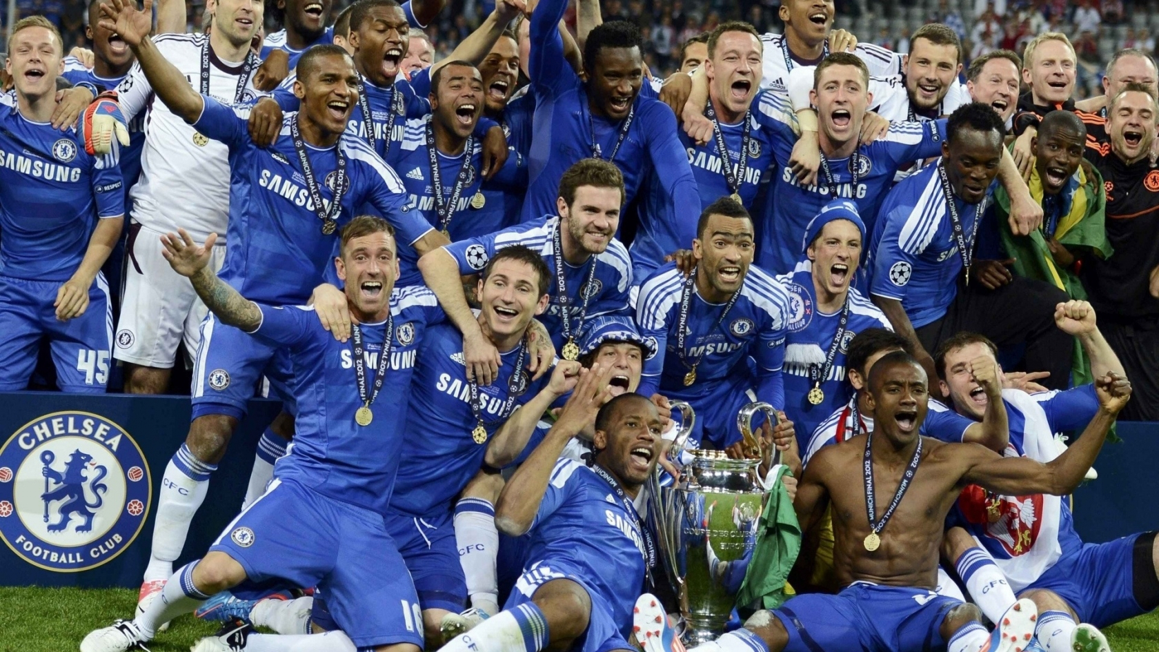 Chelsea Celebrating for 1680 x 945 HDTV resolution