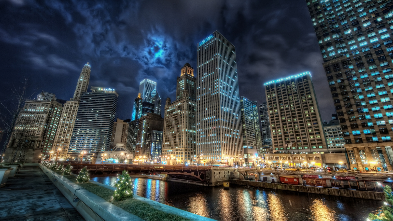 Chicago for 1600 x 900 HDTV resolution