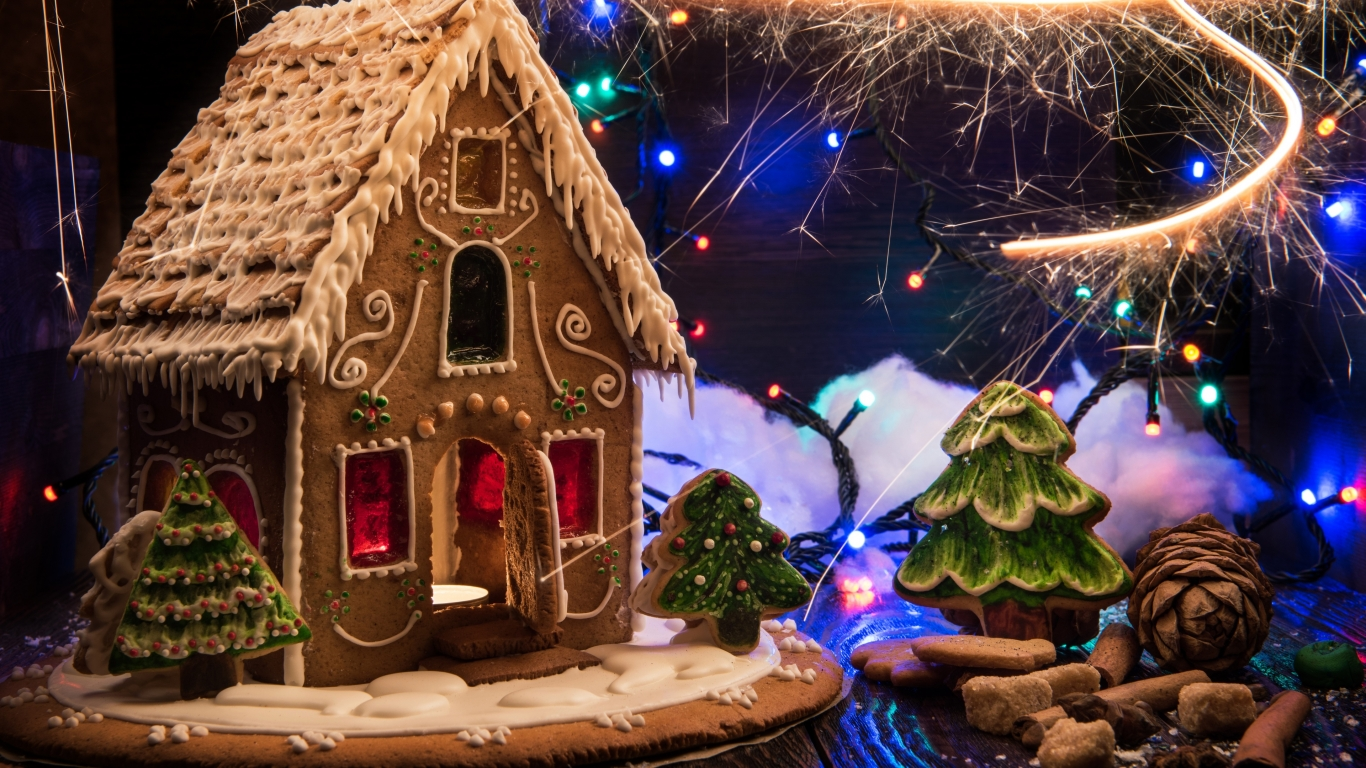 Christmas Gingerbread Decorations for 1366 x 768 HDTV resolution