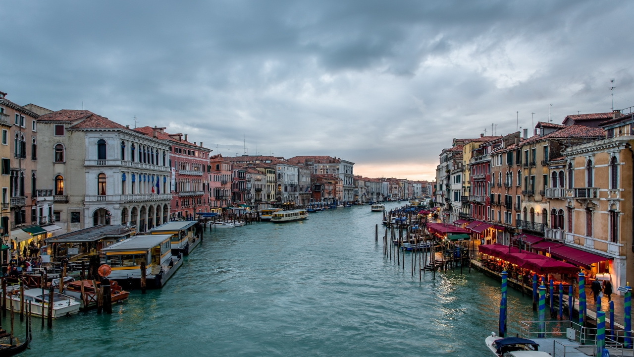 Cloudy Day in Venice for 1280 x 720 HDTV 720p resolution