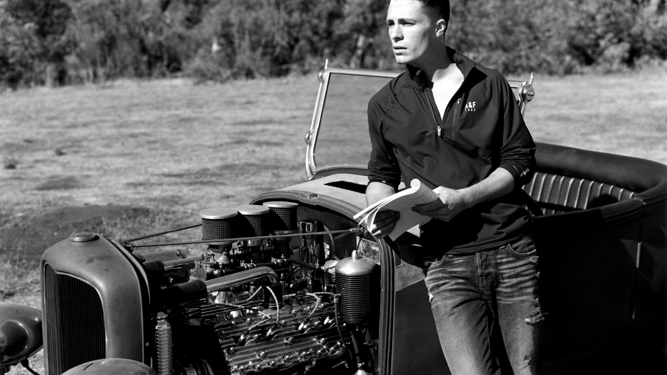 Colton Haynes Black and White for 1366 x 768 HDTV resolution