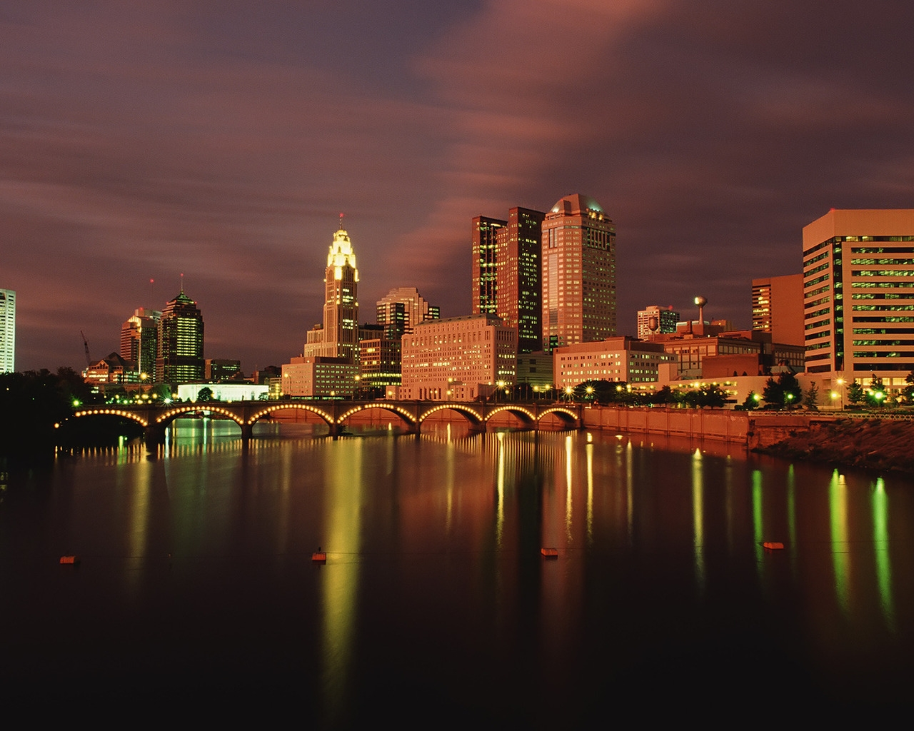 Columbus Ohio at Dusk for 1280 x 1024 resolution