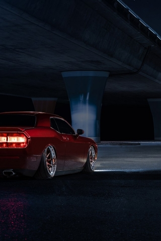 Dodge Challenger Avant Garde Back View for 320 x 480 iPhone resolution