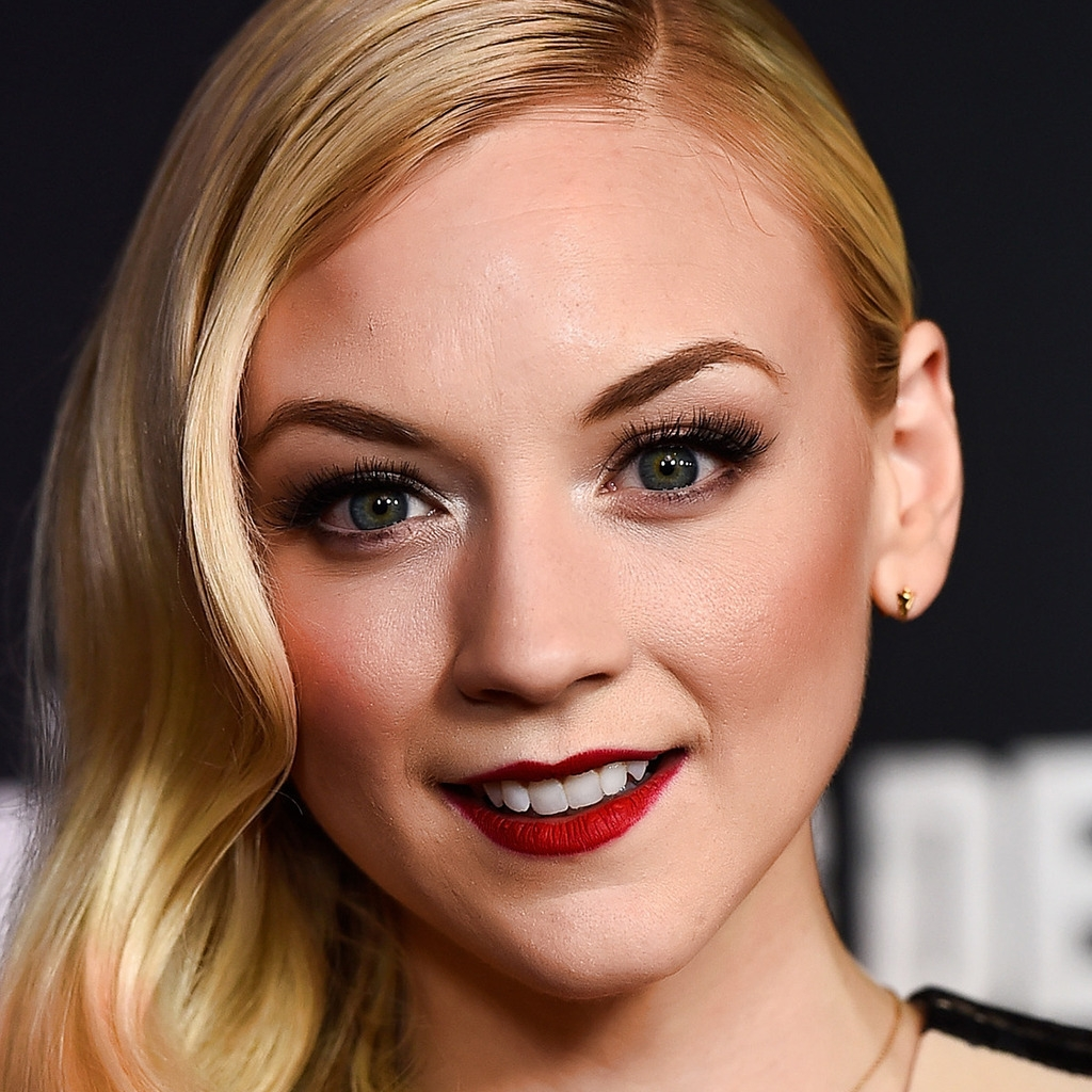 Emily Kinney Actress for 1024 x 1024 iPad resolution