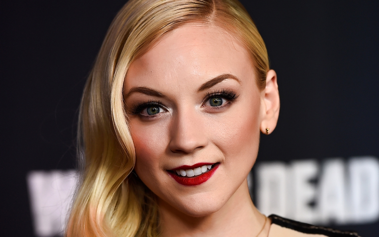 Emily Kinney Actress for 1280 x 800 widescreen resolution