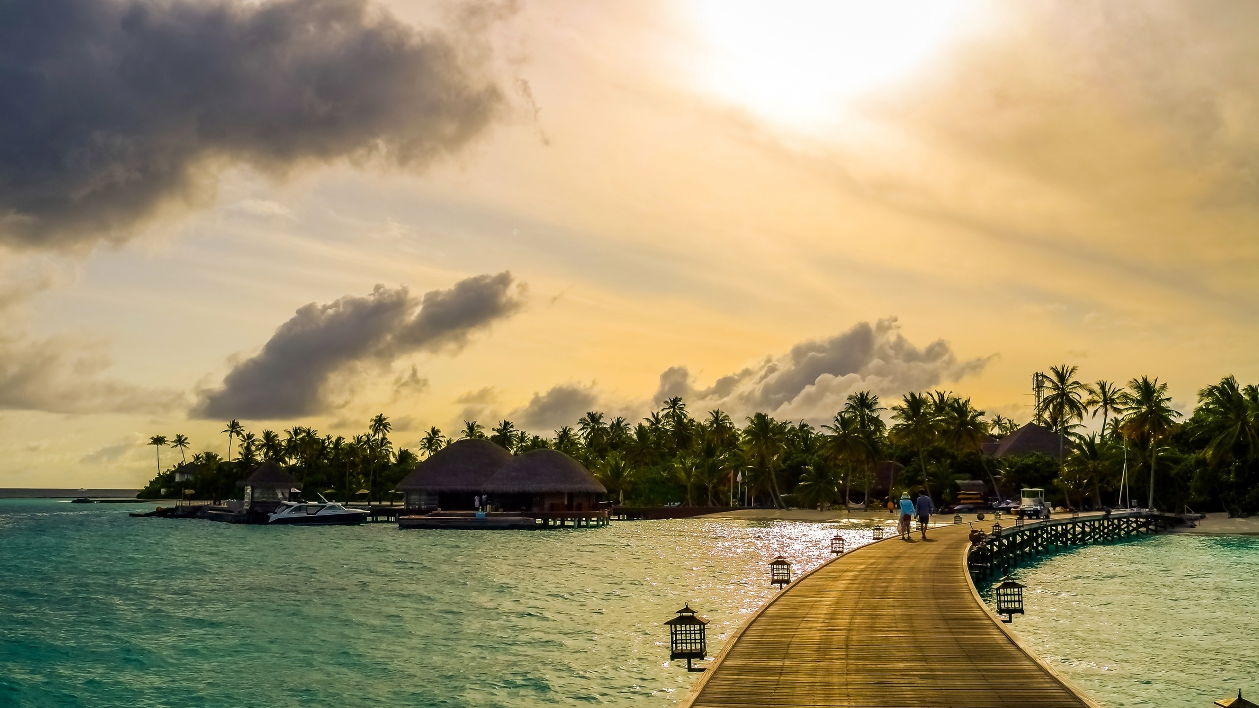 Exotic Maldives Beach for 2560x1440 HDTV resolution