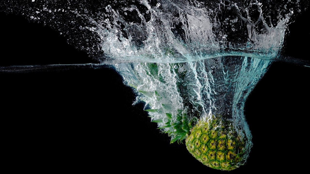 Fresh Pineapple for 1280 x 720 HDTV 720p resolution