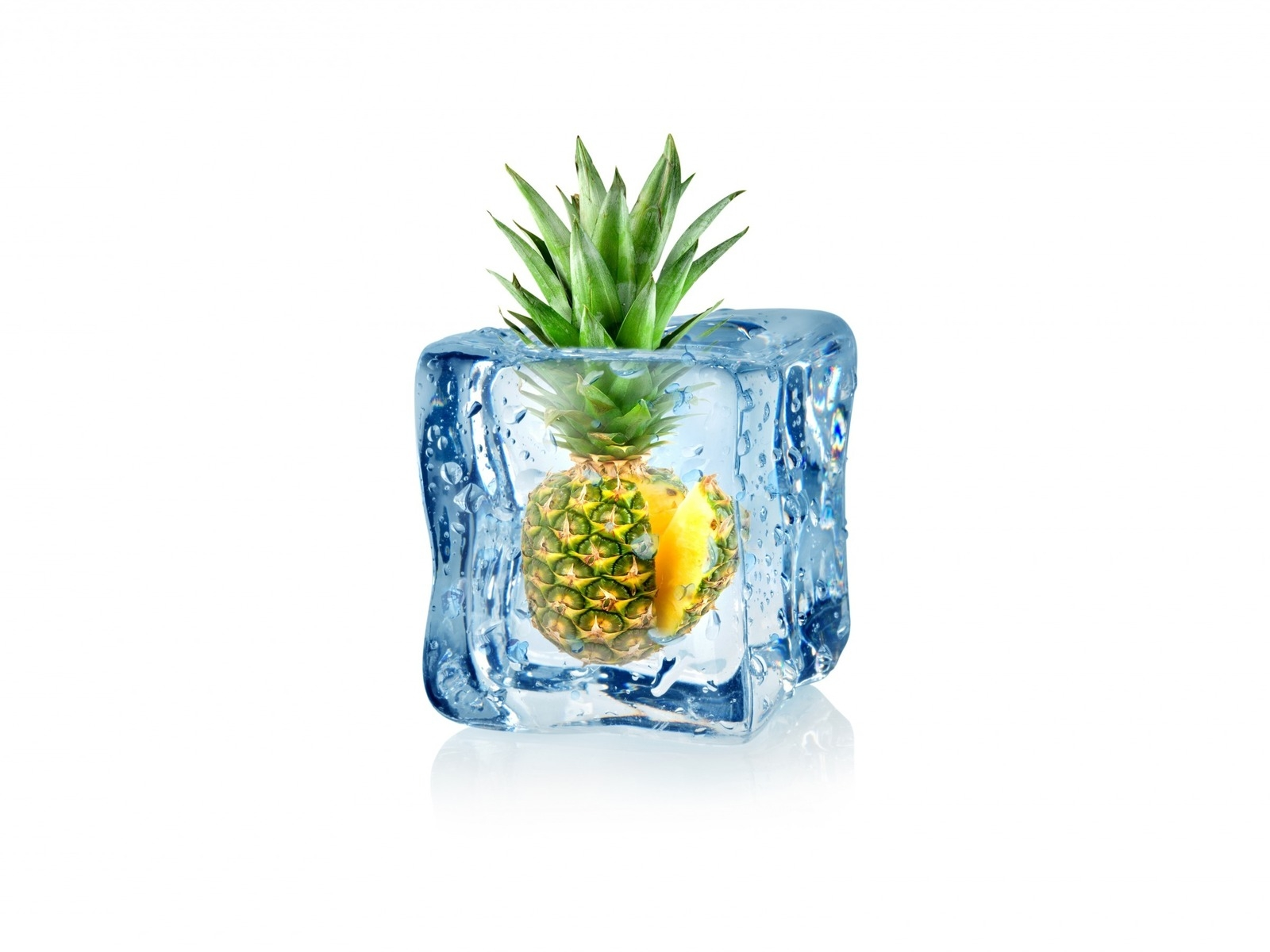 Frozen Pineapple for 1600 x 1200 resolution