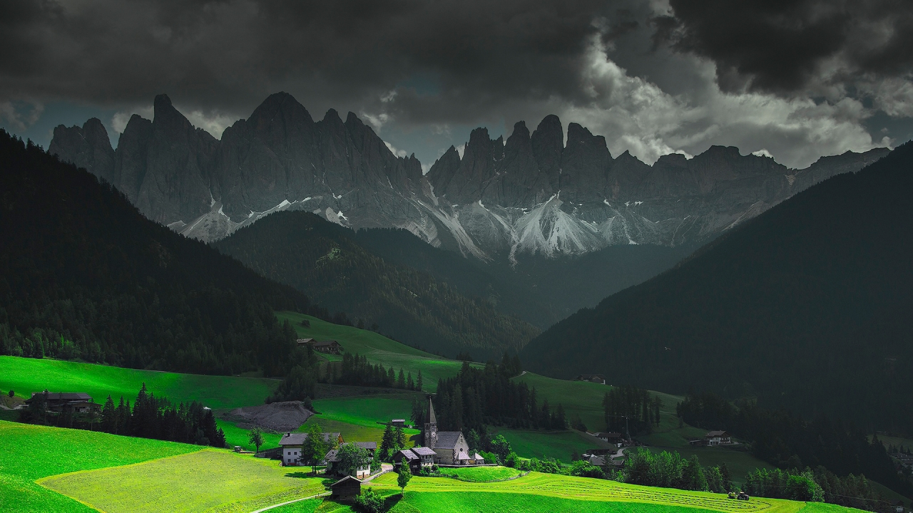 Funes Santa Maddalena Italy for 1280 x 720 HDTV 720p resolution