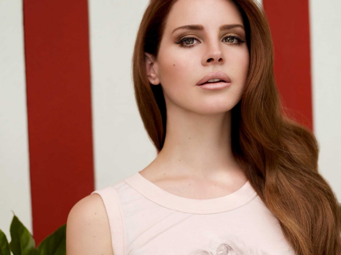 Gorgeous Lana Del Rey for 1152 x 864 resolution