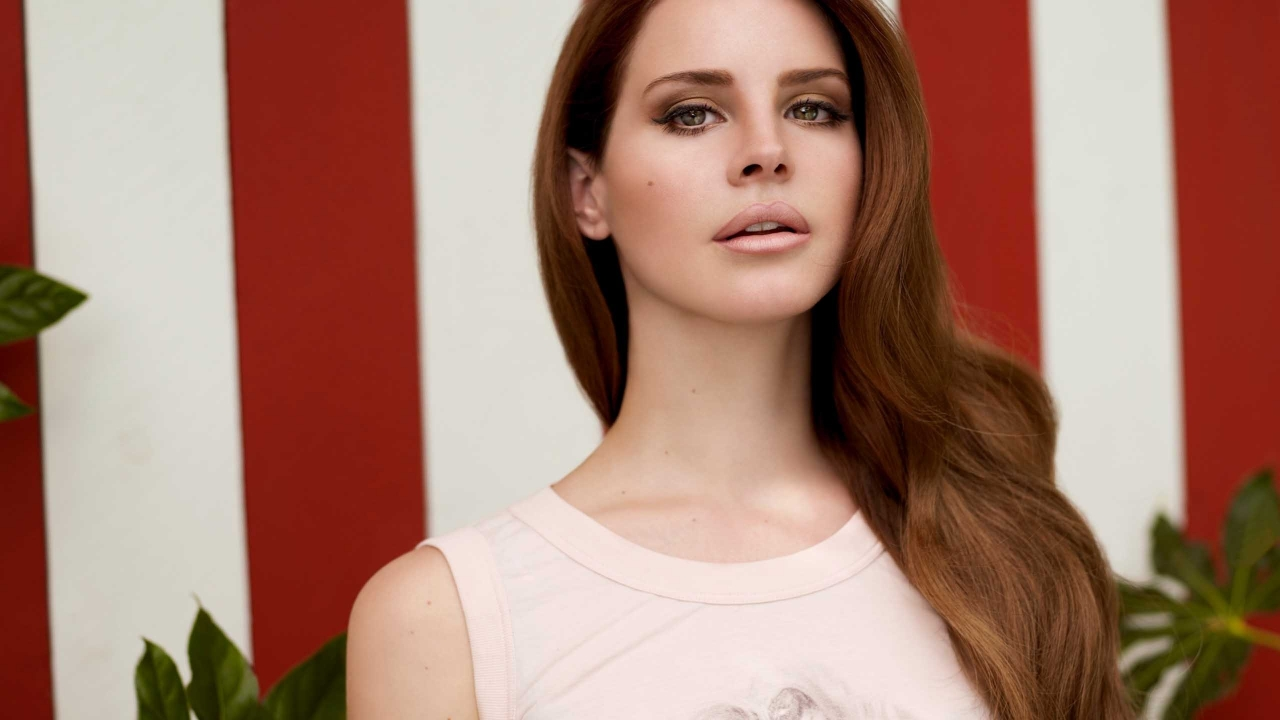 Gorgeous Lana Del Rey for 1280 x 720 HDTV 720p resolution