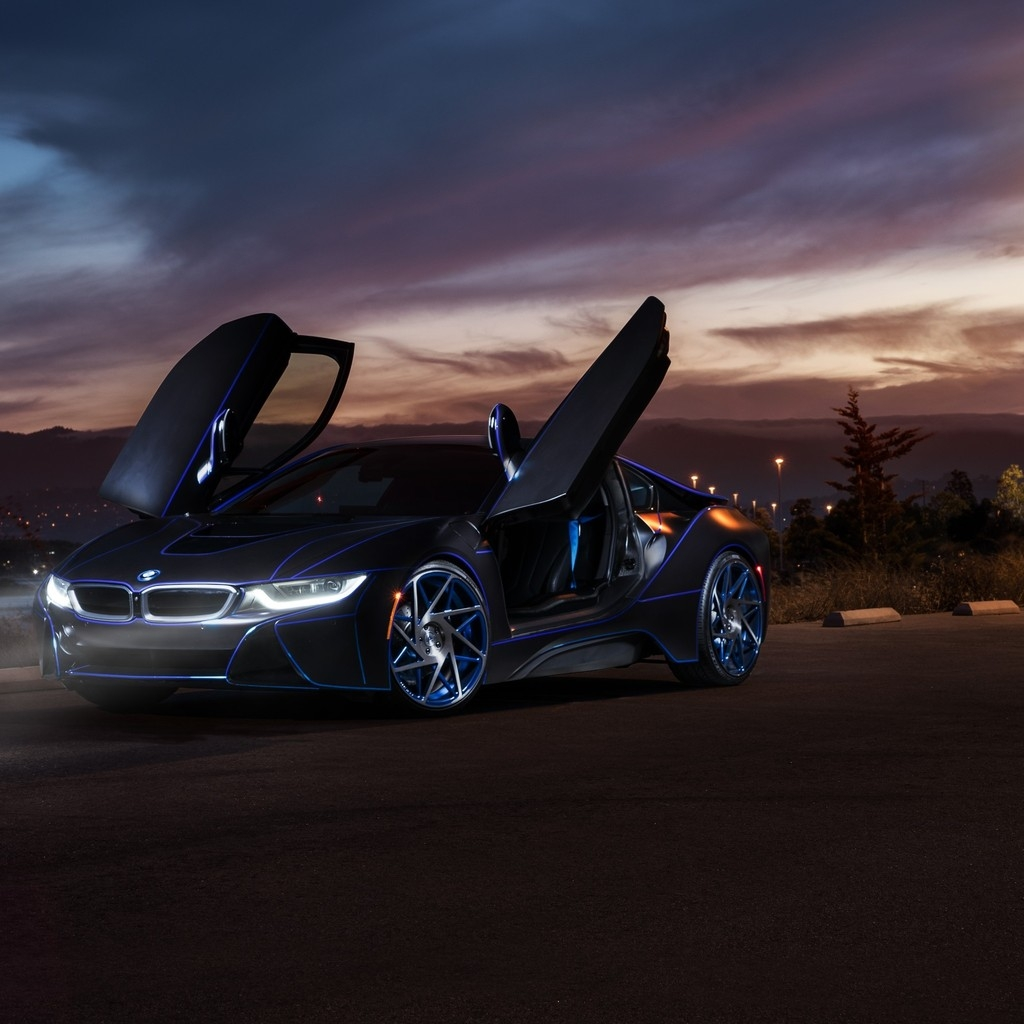 Gorgeous New BMW i8 for 1024 x 1024 iPad resolution