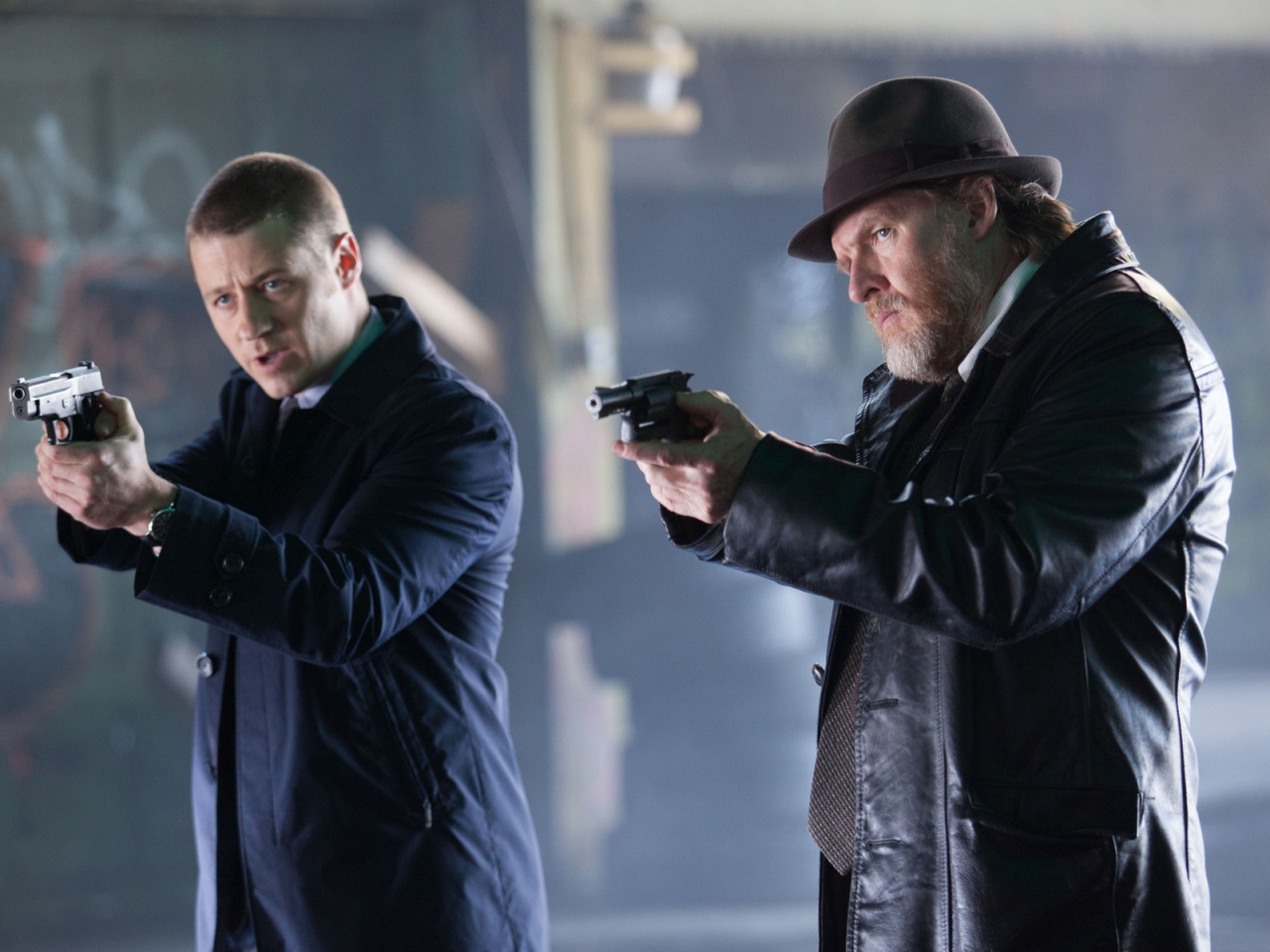Gotham Harvey and James for 1280 x 960 resolution