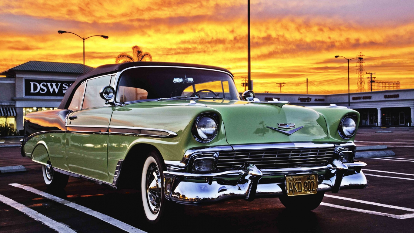Green Classic Chevrolet for 1366 x 768 HDTV resolution