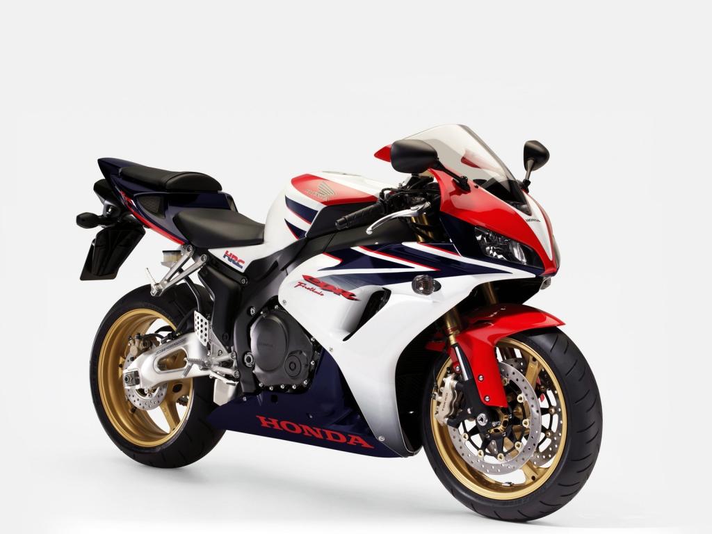 Gorgeous Honda CBR1000rr 1024 x 768 Wallpaper