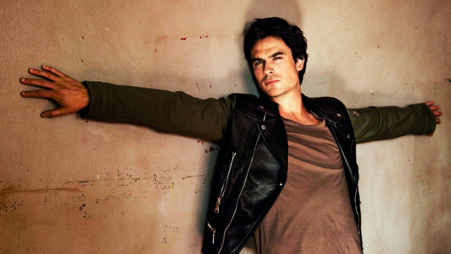 Ian Somerhalder Photo Session for 1536 x 864 HDTV resolution