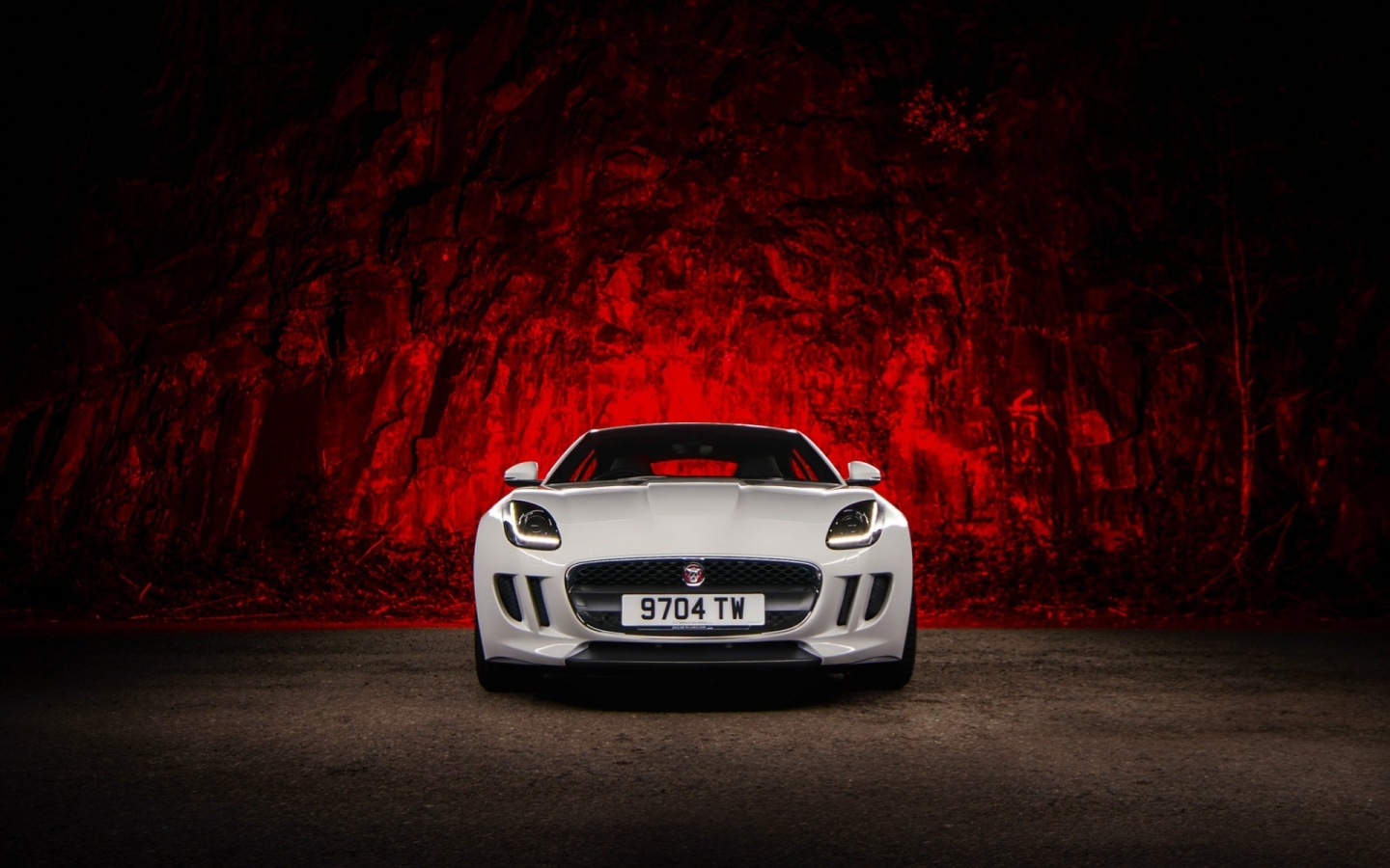 Jaguar F Type White for 1440 x 900 widescreen resolution