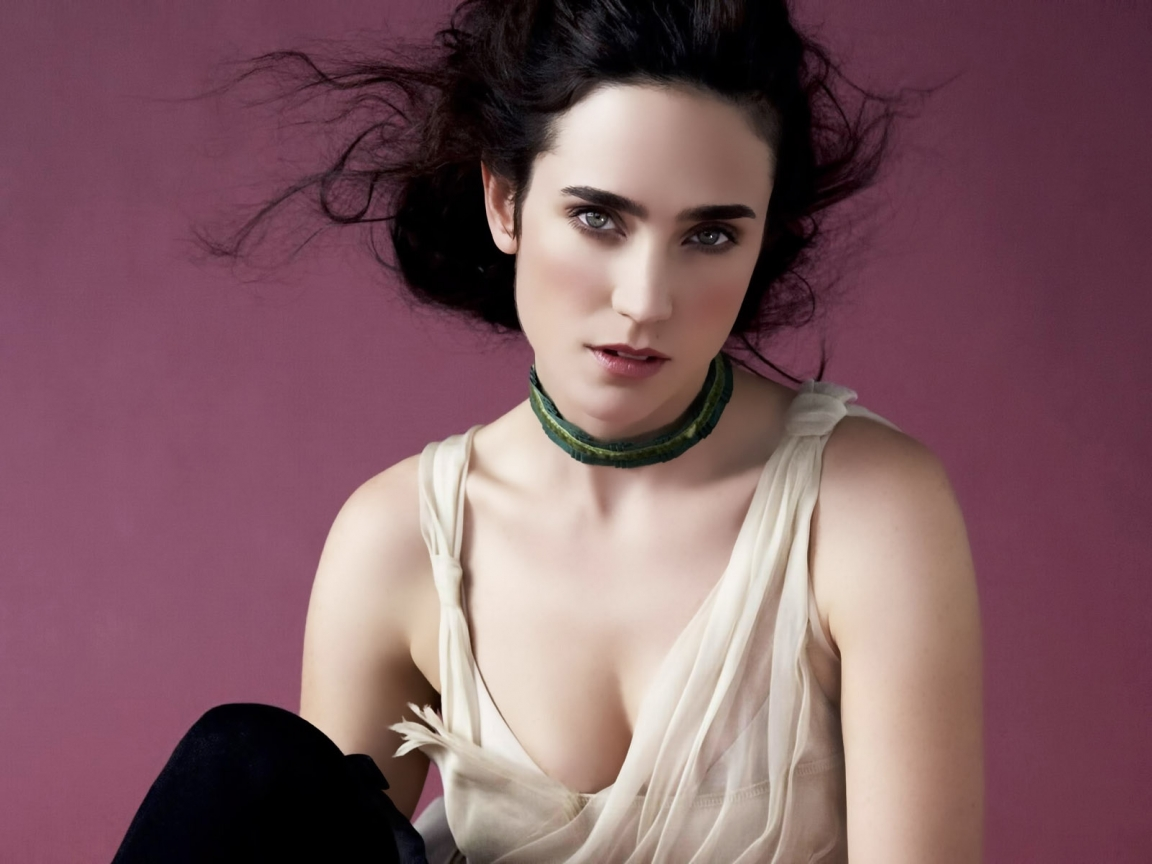 Jennifer Connelly Thinking for 1152 x 864 resolution