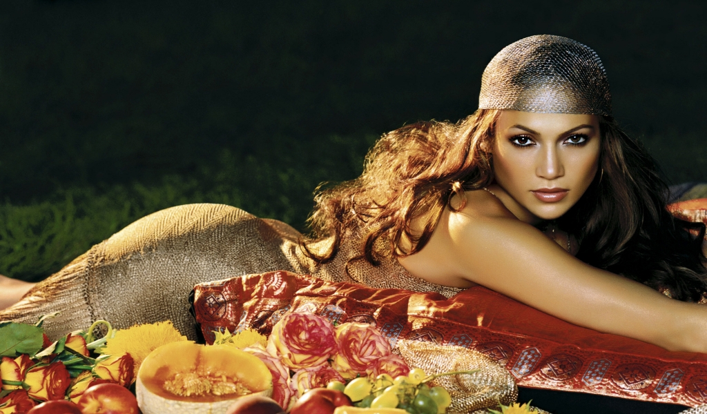 Jennifer Lopez Gipsy for 1024 x 600 widescreen resolution