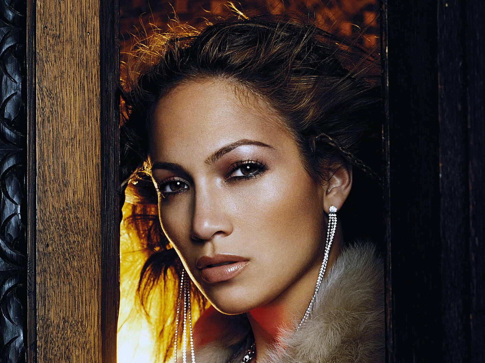 J.Lo for 1600 x 1200 resolution