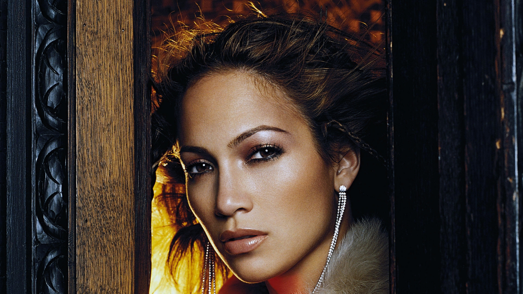 J.Lo for 1680 x 945 HDTV resolution
