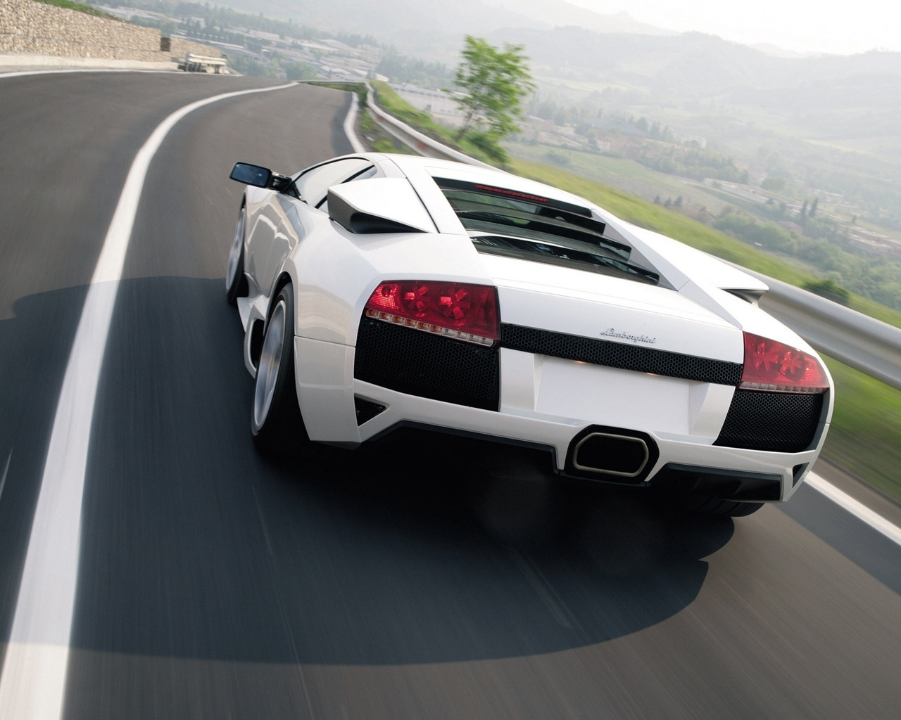 Lamborghini Murcielago LP640 2010 White for 1280 x 1024 resolution