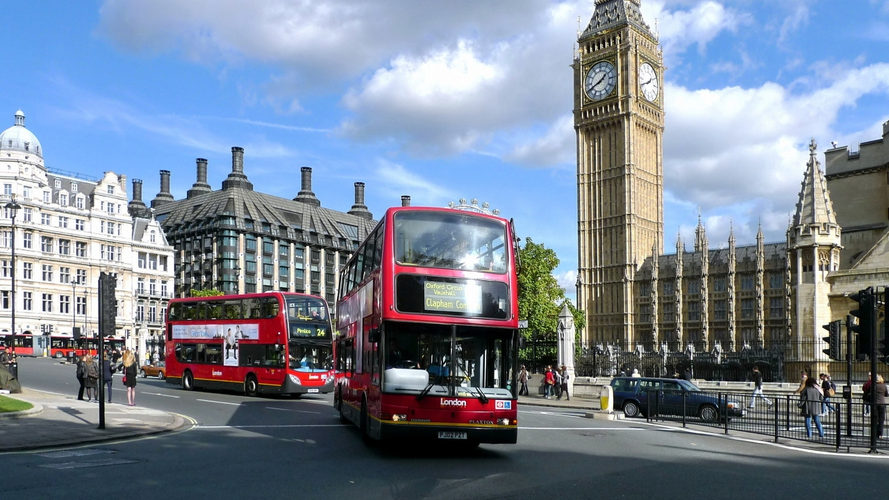 London Buses for 1280 x 720 HDTV 720p resolution