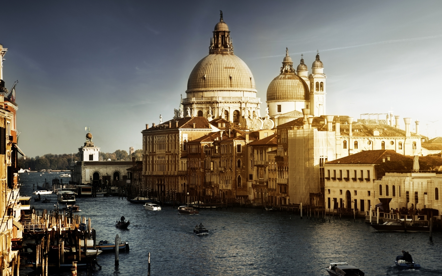 Lovely Venice City Corner for 1440 x 900 widescreen resolution