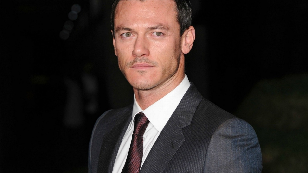 Luke Evans Suit for 1280 x 720 HDTV 720p resolution