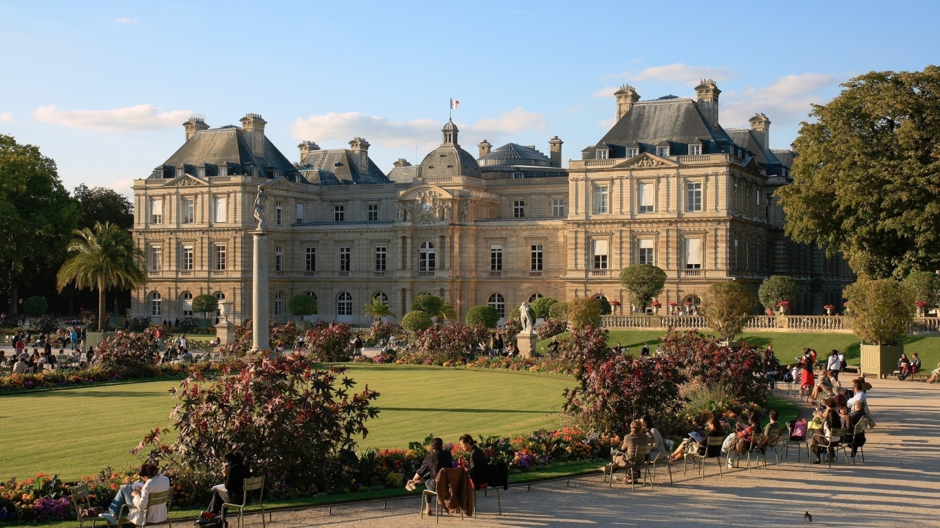 Luxembourg Palace Paris for 1366 x 768 HDTV resolution