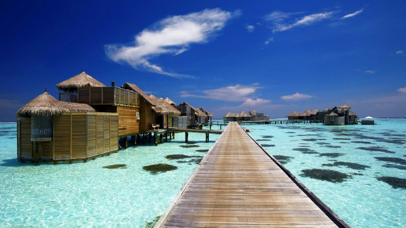 Luxury Resort in Maldives for 1366 x 768 HDTV resolution